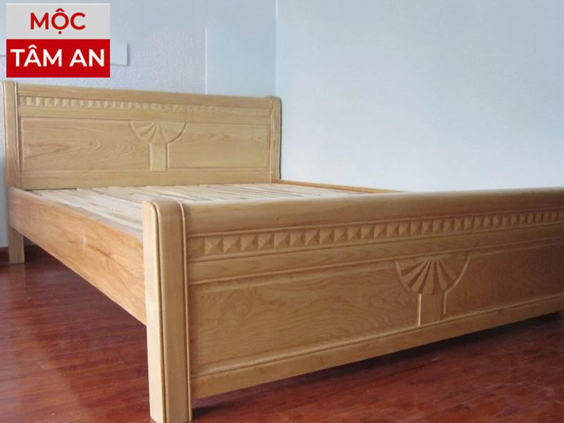 Hình ảnh: Giường ngủ gỗ sồi nga chạm khắc cánh quạt