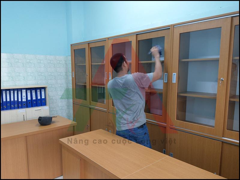 thiết kế lắp đặt tủ văn phòng gỗ công nghiệp
